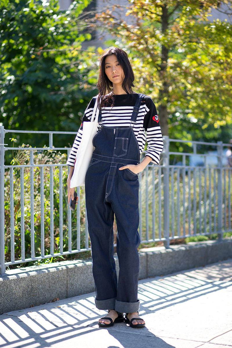 are dark jeans business casual photo - 1
