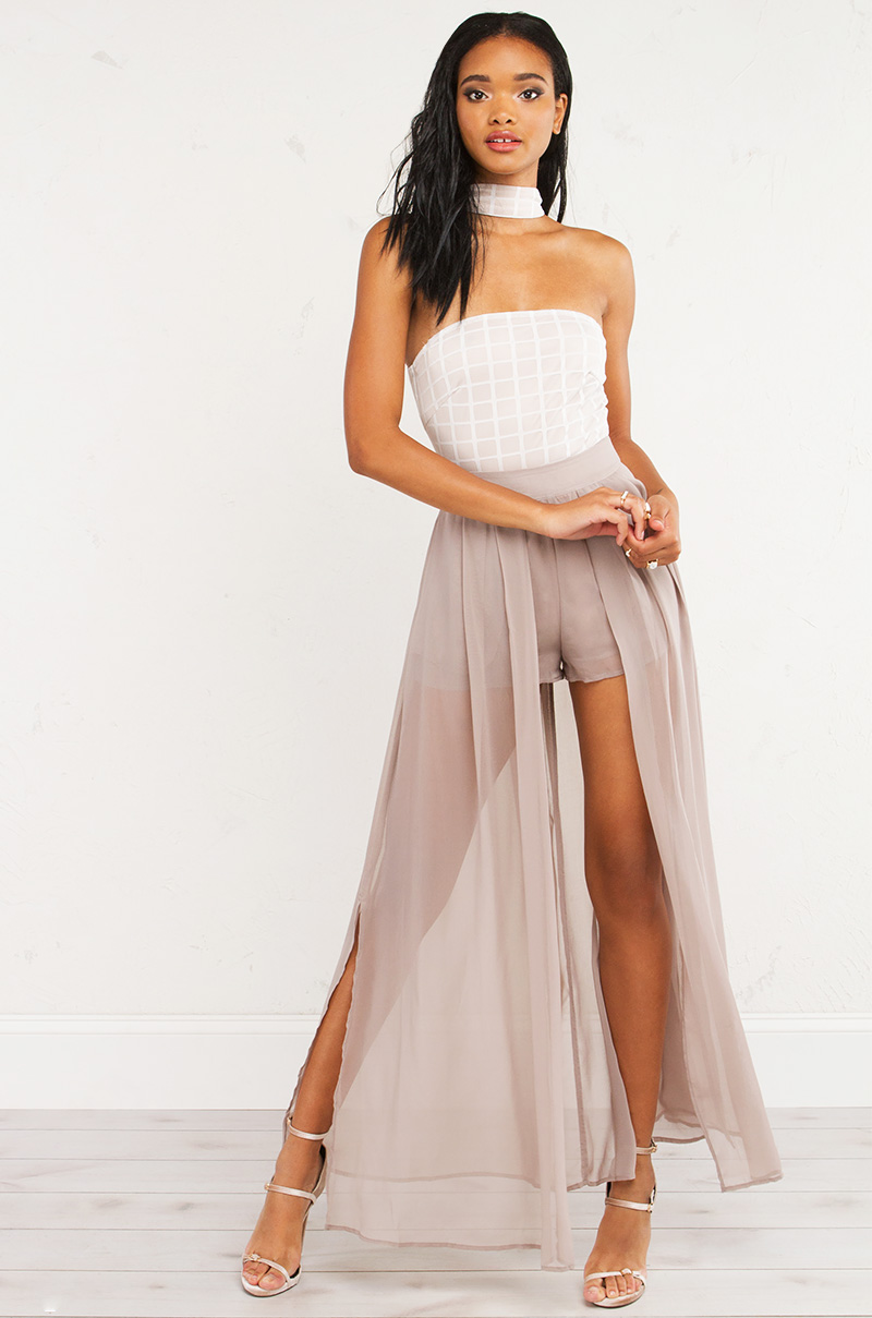 backless maxi dress casual photo - 1