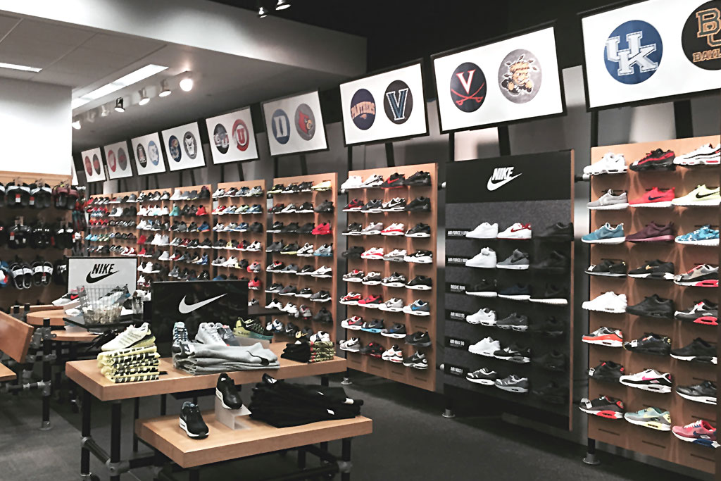 best places to shop for business casual photo - 1