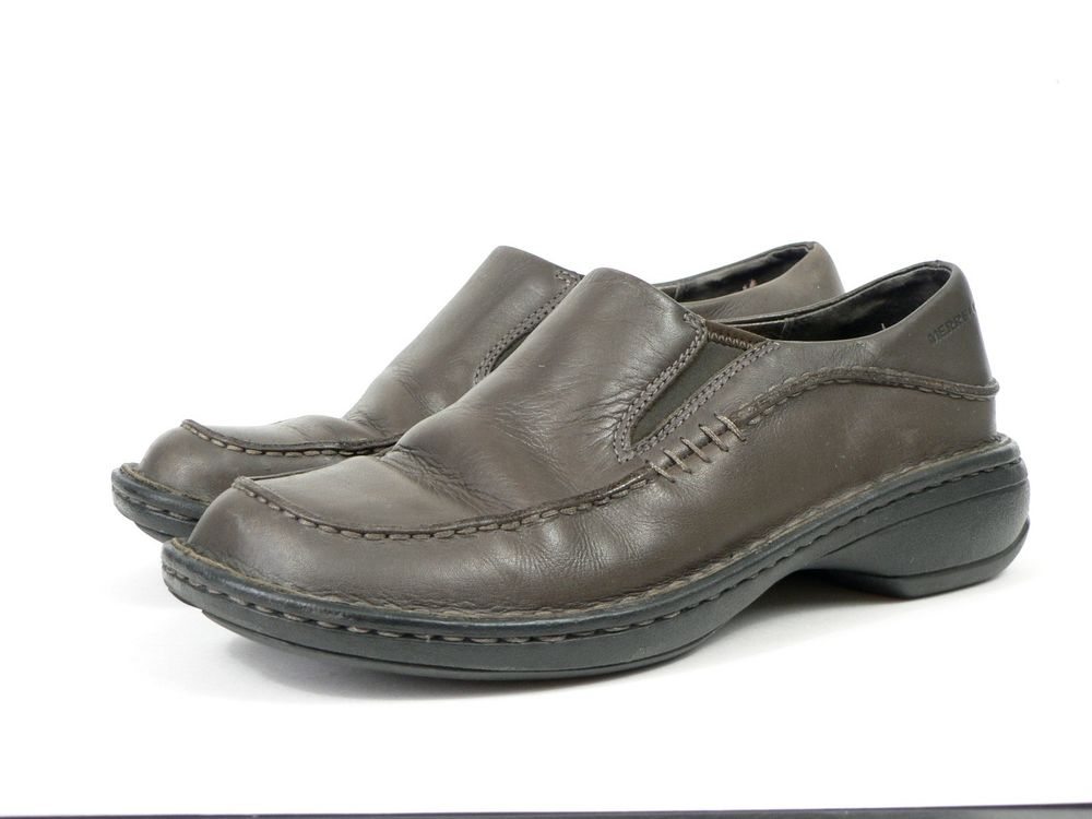 business casual slip on shoes photo - 1