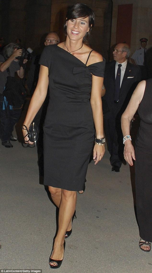 casual little black dress photo - 1
