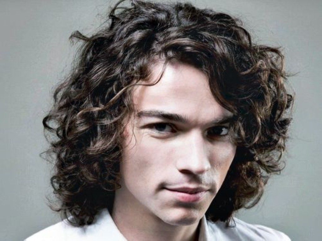 how to style mens long wavy hair photo - 1