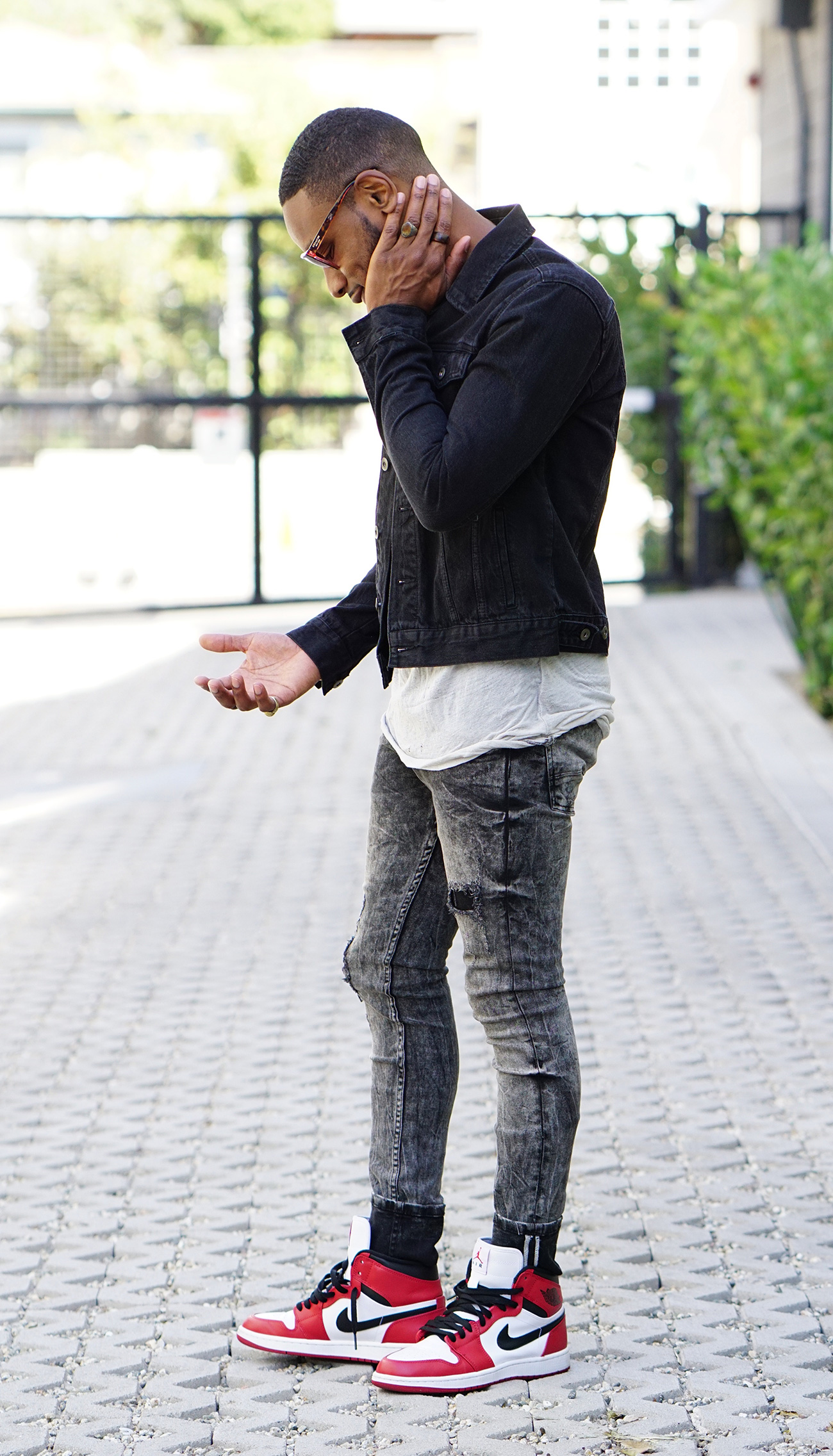mens jeans in style photo - 1
