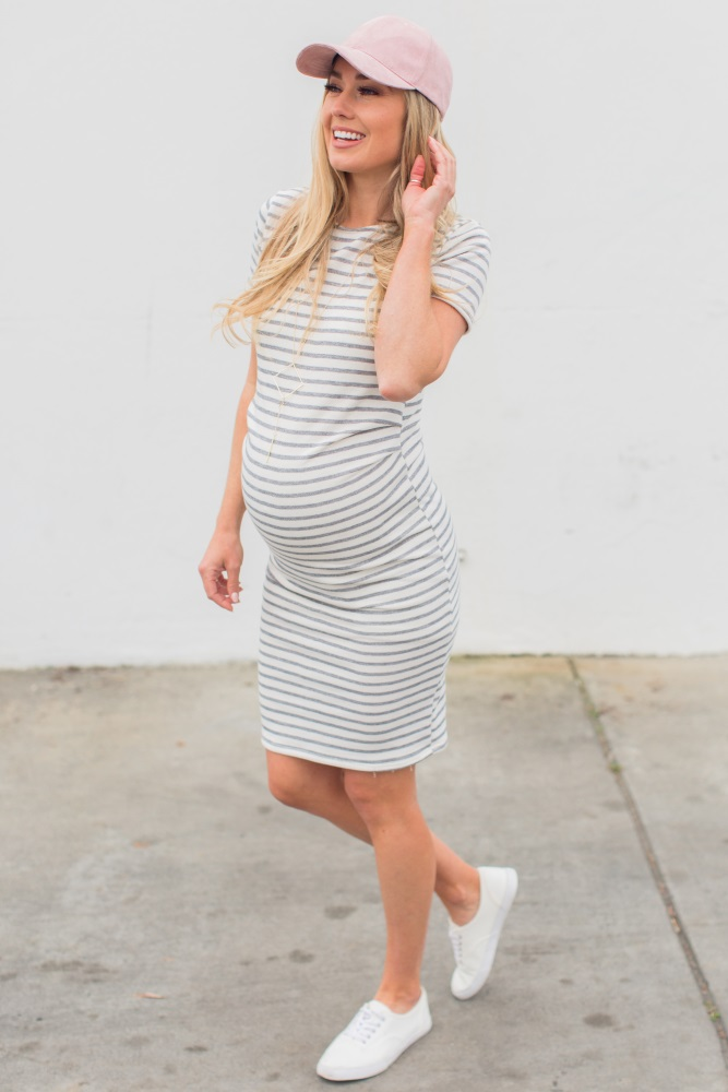 white casual maternity dress photo - 1