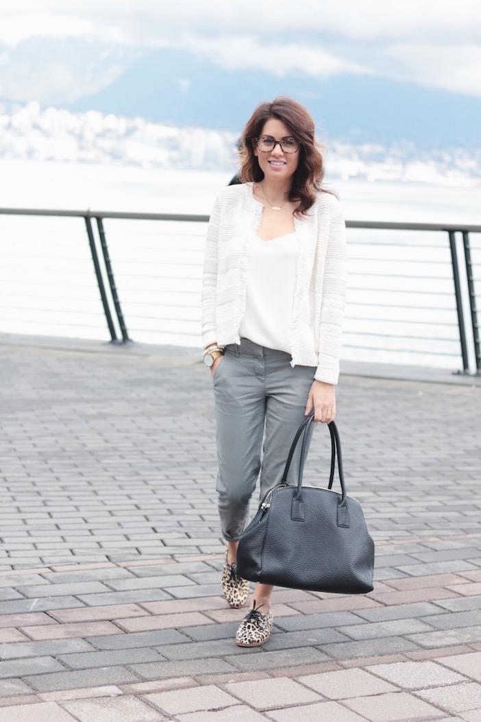 woman business casual attire photo - 1