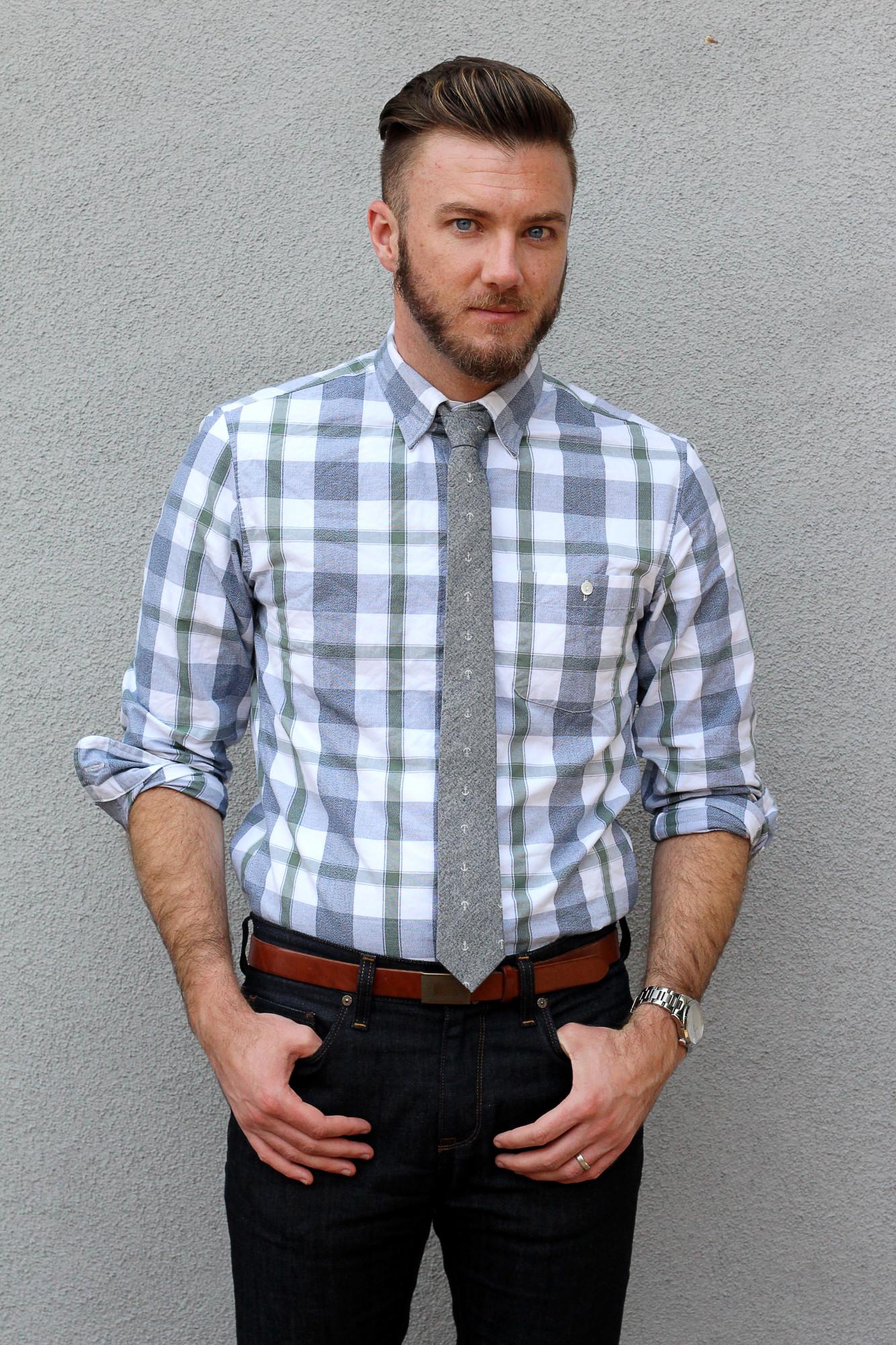 business casual tie or no tie photo - 1