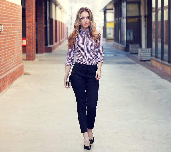 business casual with jeans photo - 1