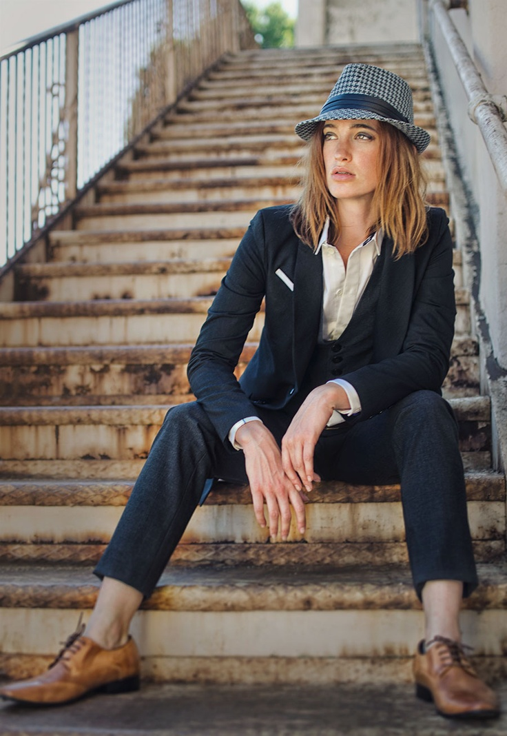 lesbian business casual photo - 1