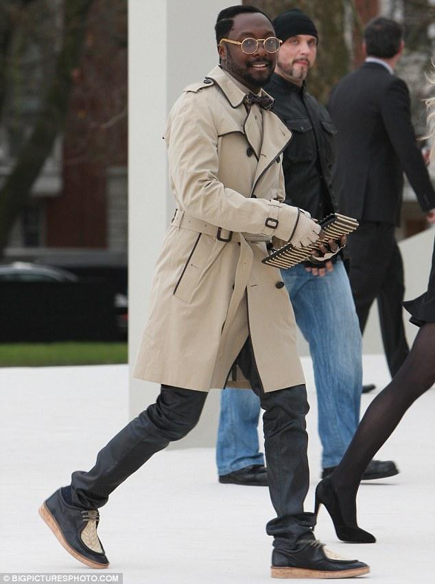 mens trench coat style photo - 1