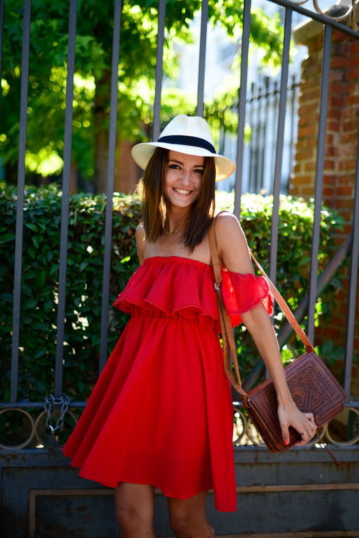 off the shoulder casual dress photo - 1